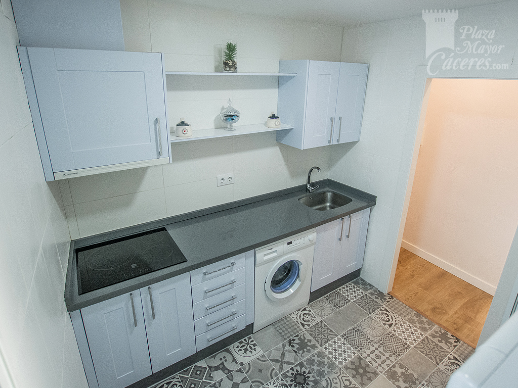 cocina equipada alojamiento lavadora fregadero vitroceramica
