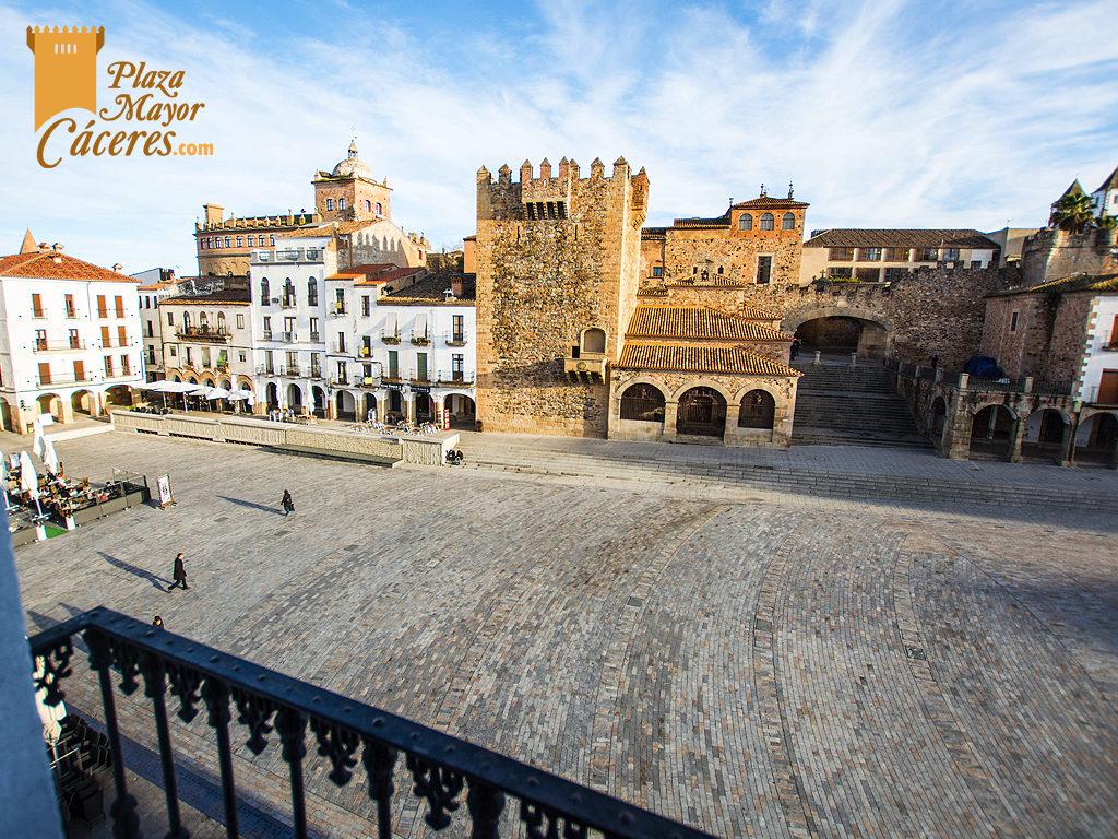 vistas balcon alojamiento turistico dia plaza
