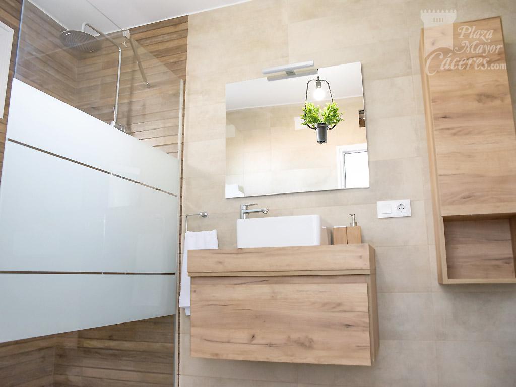 baño equipado alojamiento centrico completo muebles nuevos
