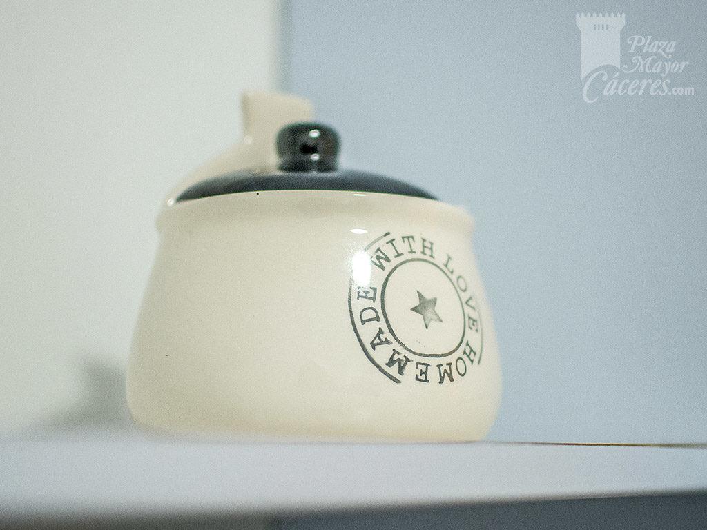 aceite y sal en el alquiler de la casa cocina equipada